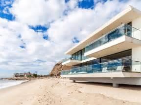 Beautiful beach house in malibu designrulz