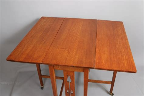 Drop Leaf Craft Table Arts Crafts Oak Drop Leaf Table Tulip Cutouts Antiques Atlas