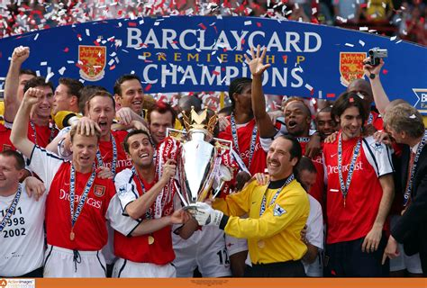 arsenal premier league 2001 02 season review arsenal win title at old trafford