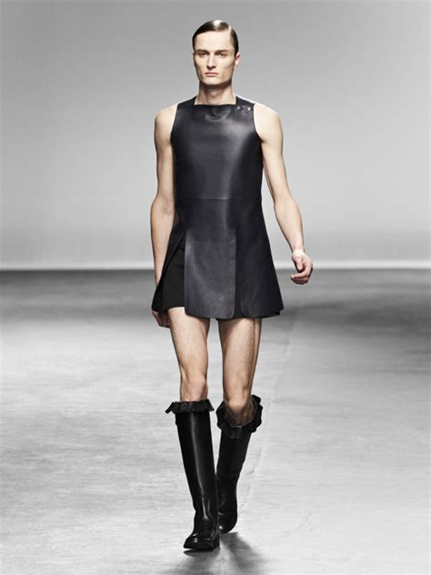 feminine clothing for men a good look at 18 seductive styles j w anderson aw13 mens catwalk show ftape com fashion