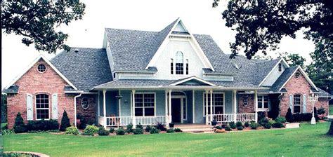 plan 62668dj modern farmhouse with angled 3 car garage classic farmhouse with angled spaces 48063fm