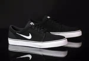 the cheapest place to buy nike sb shoes hey gents