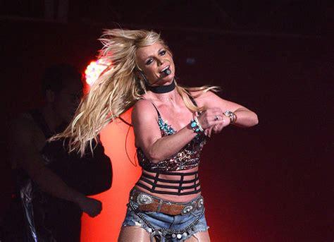 Britneys Secret Gig Canceled by Bowl 2018 Halftime Show For Lii