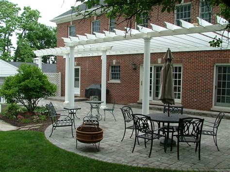 hand crafted pergola cusotom built by lee custom