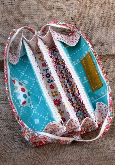 Accessory Of The Week The Bag 3 by Quot Sew Together Quot Organizer Bag Pattern Http Www Craftsy