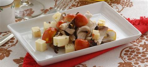 come cucinare gli ovoli ricetta ovoli e porcini in insalata cucinarefunghi