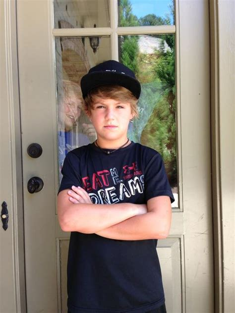 mattyb house mattyb gets locked out of his house by his two brothers best boy ever pinterest