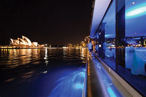 boat cruise nye sydney new year s eve glass boat fireworks cruise sydney