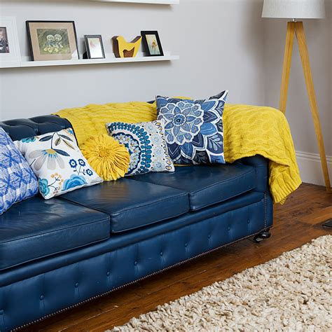 What To Use To Clean Leather Sofa by How To Clean A Leather Sofa Leather Sofa Cleaning Tips