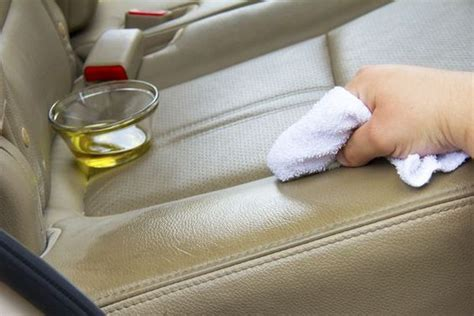 Cleaning Leather Home Remedy by How To Make A Remedy For Cleaning Leather Car
