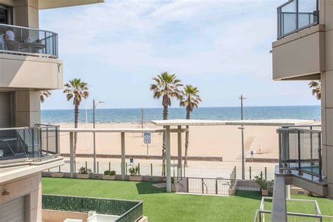 appartments in valencia apartment beside the sea in valencia for rent