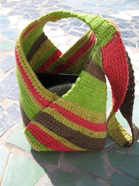 rectangular tote bag pattern just crochet a rectangle fold and stitch together to make