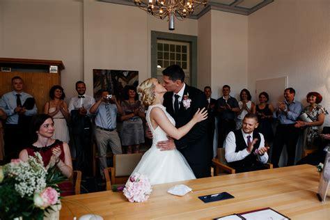 Standesamtliche Trauung by Hochzeitsfotos Standesamtliche Trauung Fotograf F 252 R Ihre