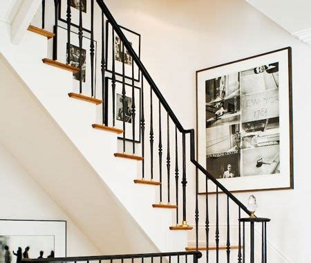 Up The Stairs Wall Decor by Decorating Up A Staircase Staircases Stair Landing