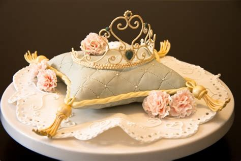 Crown On Pillow Cake by Top Pillow Cakes Cakecentral
