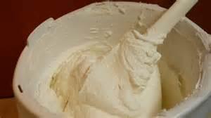 torten dekorationen diy buttercreme selber machen f 252 r dekoration