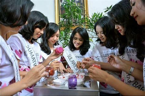 Lipstik Sariayu Martha Tilaar keseruan finalis miss indonesia 2017 membuat lipstik