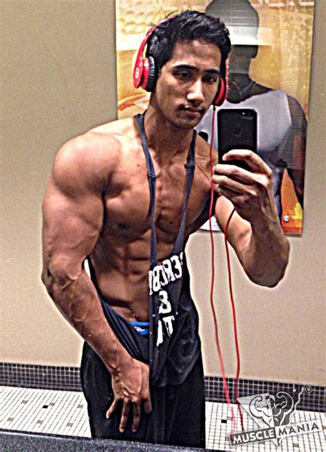 chicago pound chicago musclemania