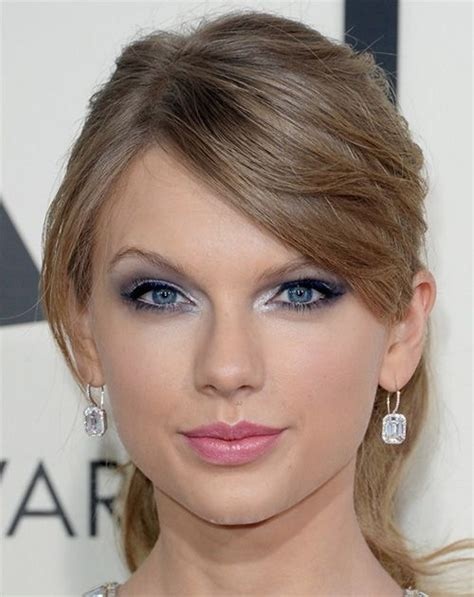eyeliner tutorial for small eyes taylor swift eye makeup tutorial celebrity tips for small