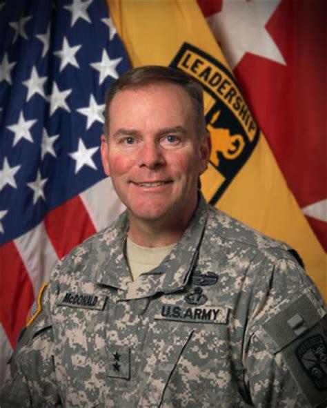 alumnus takes command of army rotc utc news releases