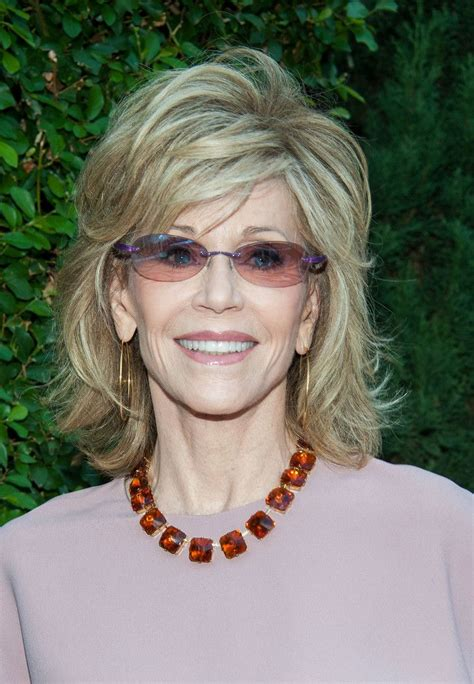 how to cut fonda hairstyle jane fonda medium layered cut her hair medium layered