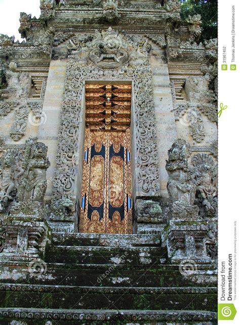 doorway  pura kehen temple  bali stock photography