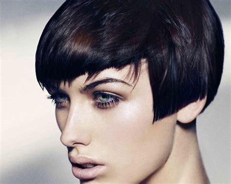 Hair Cut Above Earlobe Sharp Blunt Bangs Scattered