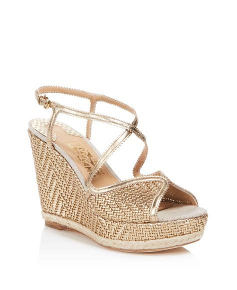 Sandal Wedges Heels Clog Wanita Vkt 420 lyst ferragamo enrica metallic leather platform wedge sandals in metallic