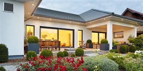 Moderne Bungalows Mit Walmdach by Bungalow Walmdach 167 Luxhaus