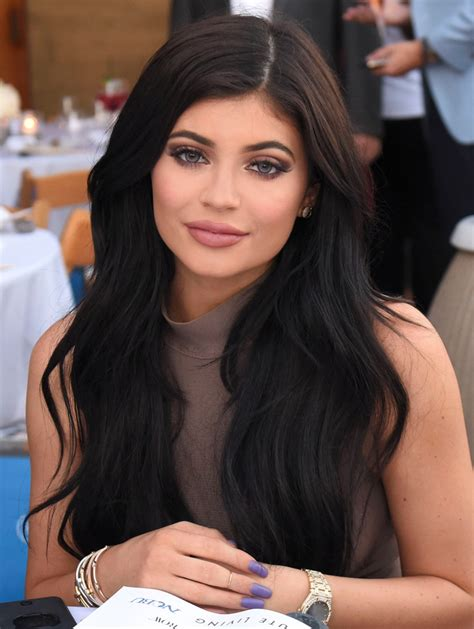 how to get kylies short hair kylie jenner dyes her hair blonde instyle com