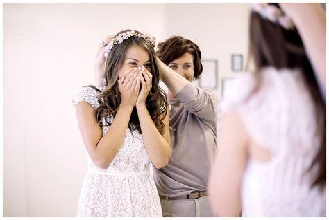 Brautkleid Kaufen by Brautkleid Kaufen Zu Besuch Im Hochzeitsatelier