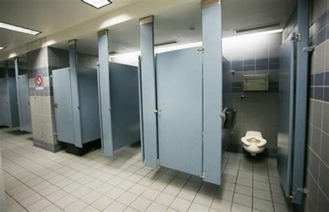 porte bagni pubblici appunti di un lungo ma breve viaggio