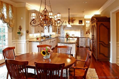 Old Kitchen Decorating Ideas by Antique Kitchens Pictures And Design Ideas