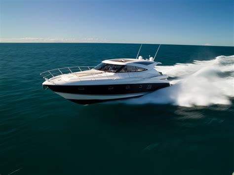yacht boat the riviera 5800 sport yacht has impressed boat owners