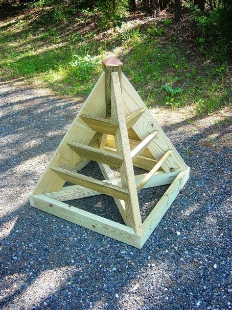 Pyramid Strawberry Planter by How To Build A Pyramid Strawberry Planter Diy Plans