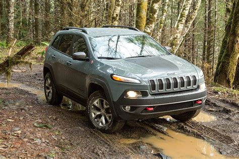 jeep cherokee black 2015 2015 jeep cherokee trailhawk review digital trends