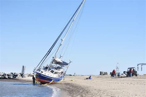 tow boat us photos grounded boat towed from lewes beach cape gazette