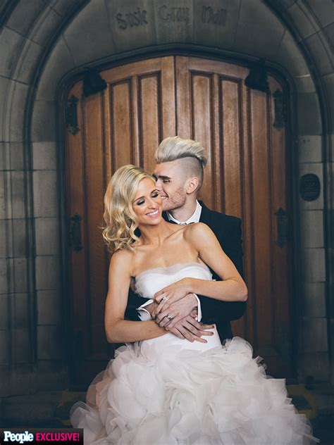 Colton Dixon and Annie Coggeshall Married: Wedding Cake Details   Great Ideas : People.com