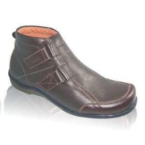 Sepatu Icon Slip On Casual Pria Original Gratis Kaos Kaki 39 sepatu kulit boots pria toko sepatu kulit asli di