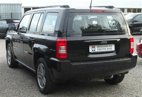 jeep patriot back file jeep patriot 2 0 crd rear jpg wikimedia commons