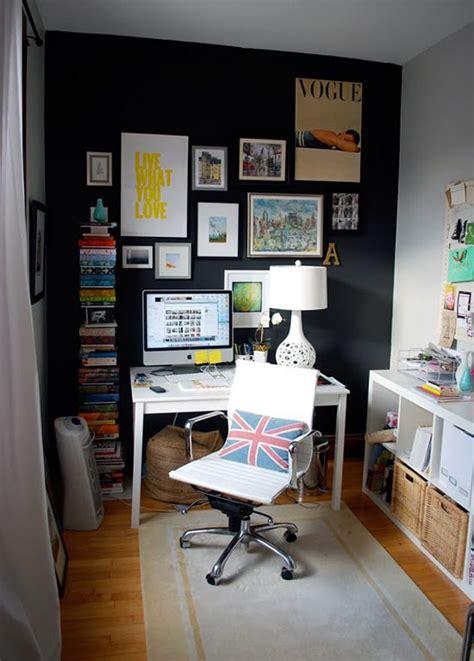 black wall  bold statement  interior design