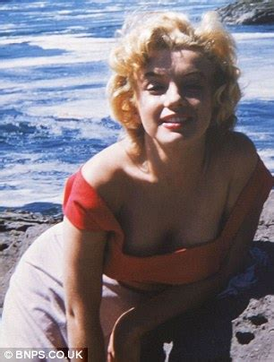 marilyn monroe poses at 27 for her trusted make up artist