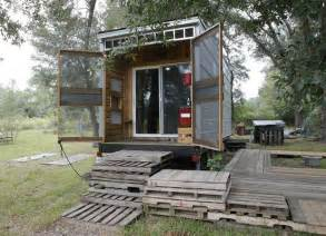 the 10k 192 sq ft diy bachelor pad tiny house tiny