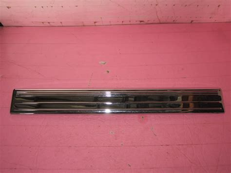 Front Door Sill Plate Mercedes Front Door Sill Kick Plate Chrome 2206805535 Used Auto Parts Mercedes