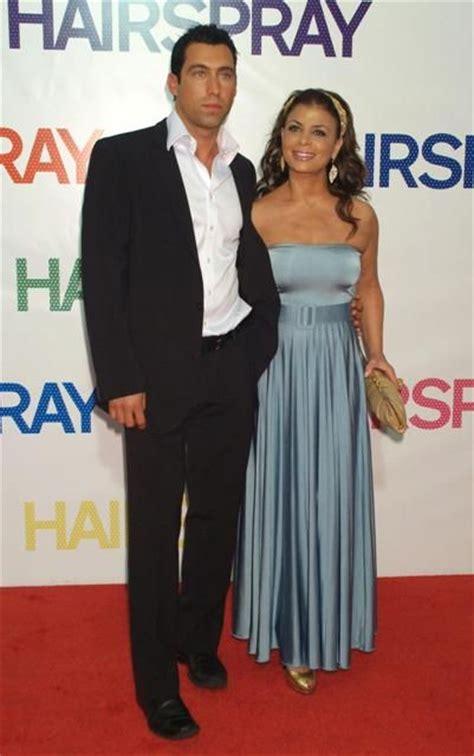 Paula Abdul Still Has A Boyfriend by So Who Is Current Paula Abdul Boyfriend