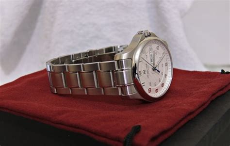 Swiss Army 2201 Silver Combi victorinox swiss army officer s day date mechanical v 241548