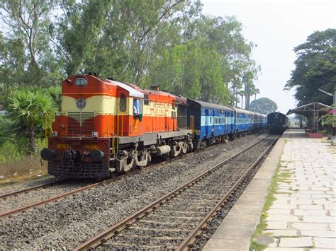 indian railways connecting the two developed western cities vadodara to