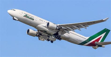 interno aereo alitalia flightstats alitalia third most punctual airline in