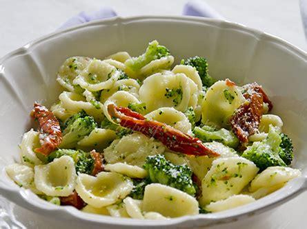 cuisine des pouilles orecchiette brocoli et tomates s 233 ch 233 es cuisine