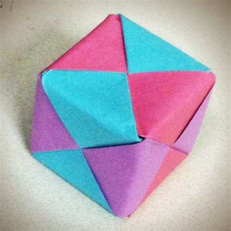 Post It Note Origami - made a box out of post it notes creativity